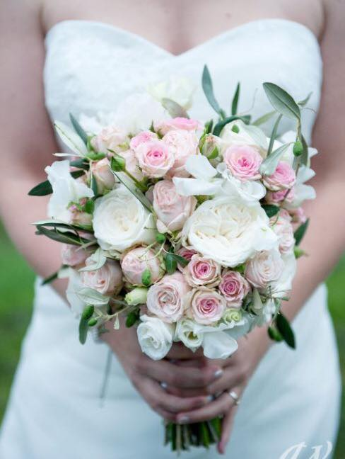 KOULA KOUTSOURADI WHITE BRIDAL BOUQUET
