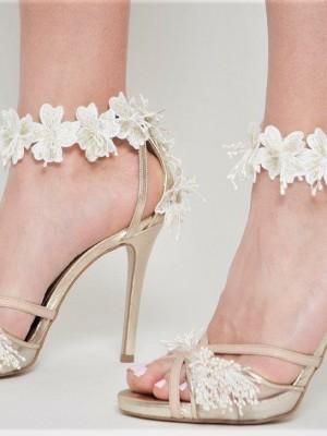 9020a56dd7 Savrani Creations- Nυφικά παπούτσια και headpieces sur mesure που  απωγειώνουν τη νυφική σας εμφάνιση!